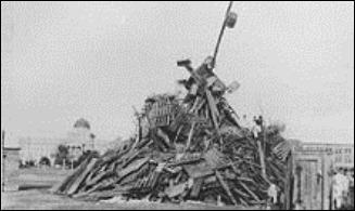 Aggie bonfire 1909